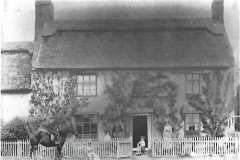 Hope Cottage. Starling family home c1905. The Green