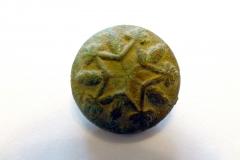 Tudor Button