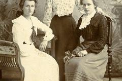 Dallas,  Mabel, & Florence Dove